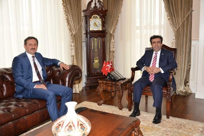 AK Parti Kocaeli Milletvekili Yılmaz, Vali Güzeloğlu'nu Ziyaret Etti