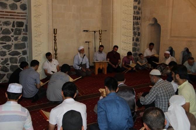 Diyarbakır'da Süleyman Demirel İçin Mevlit Okutuldu