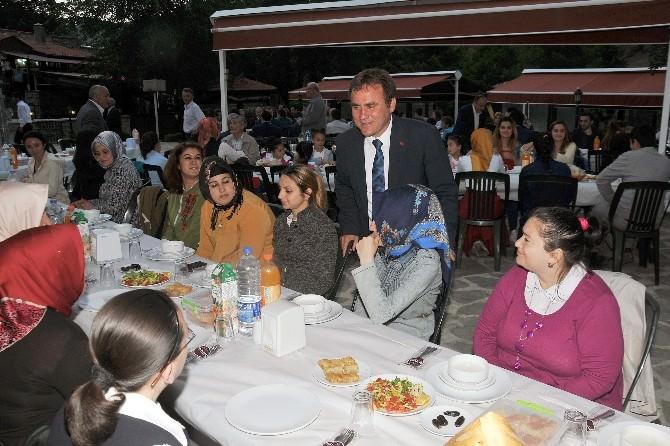 Gümüşhane Belediyesi 'Kardeşlik İftarı' Düzenledi
