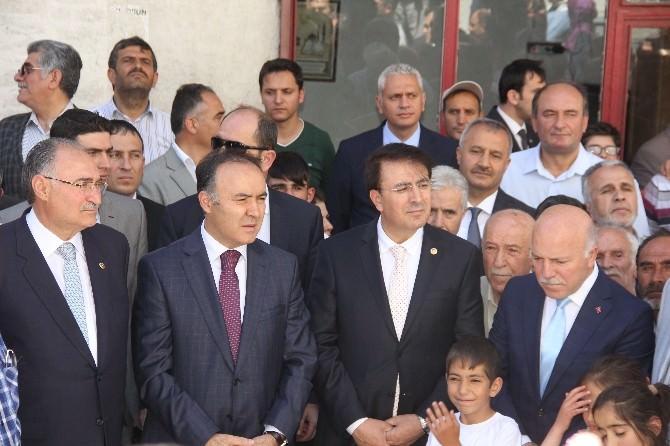 """Erzurum Büyükşehir Belediyesi """"Hayır Çarşısı"""" Açıldı"""