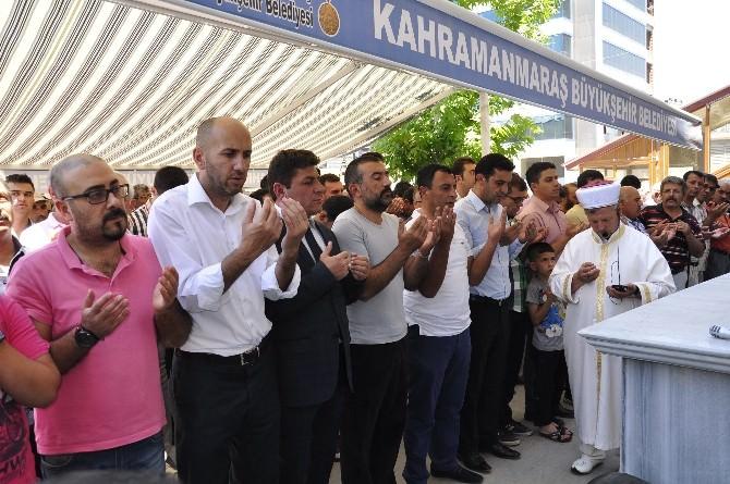 Doğu Türkistan'da Ölenler İçin Gıyabi Cenaze Namazı Kılındı