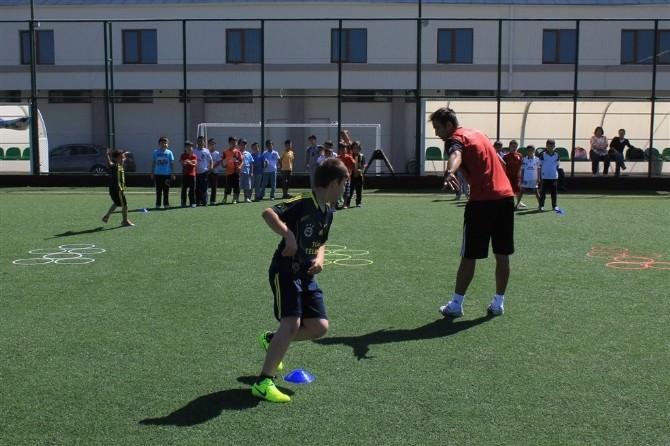 Karaman'da Yaz Futbol Okulu Çalışmaları Başladı