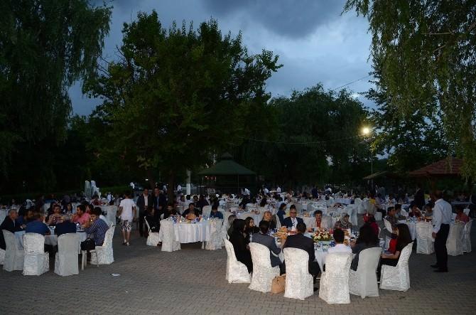 Kırıkkale Belediyesi Kardeşlik İftarı Verdi.