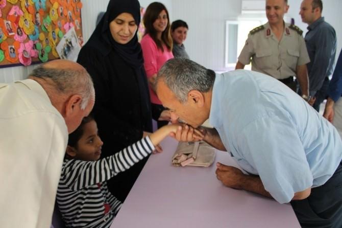 Suriyelilere Türkçe Dersi