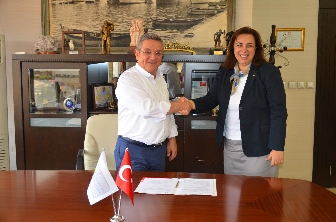 Kuşadası Belediyesi İle THY Arasında Uçakla Cenaze Taşıma Anlaşması