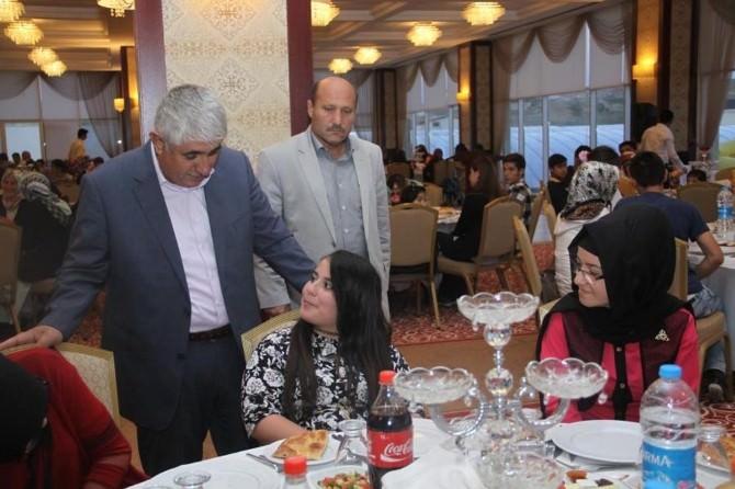 Sorgun Belediyesi Yetim 300 Çocuk Ve Ailesine İftar Yemeği Verdi