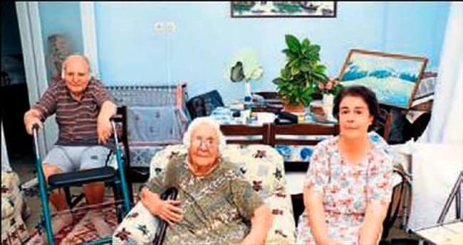 Antalya'nın asırlık çınarına sürpriz