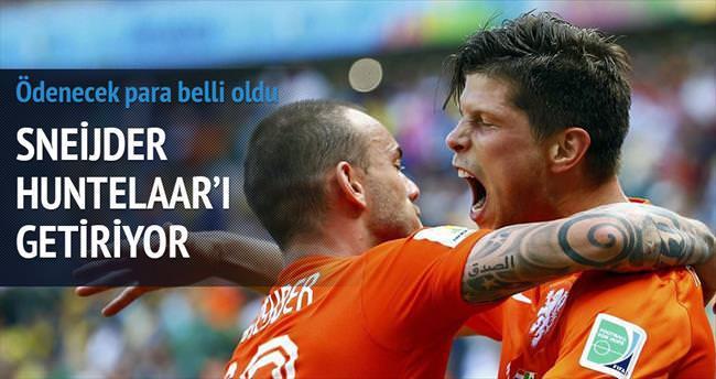 Sneijder Huntelaar'ı getiriyor