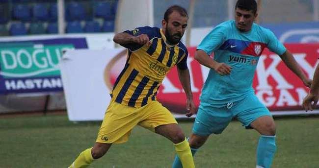 Mustafa Kılıç trafik kazasında hayatını kaybetti