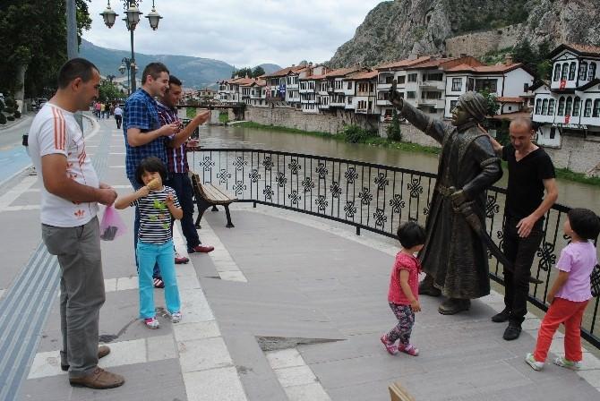 Selfieci Şehzade 'Dede' Oldu