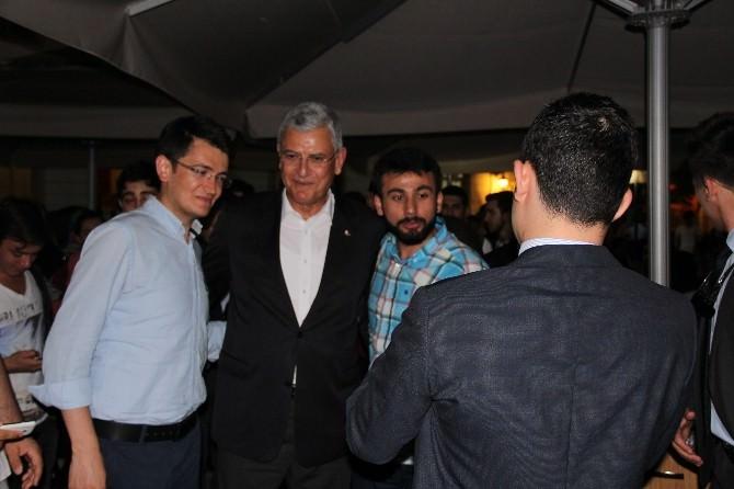 Bakan Bozkır AK Parti Gençlik Kollarının Düzenlediği Sahur Programına Katıldı