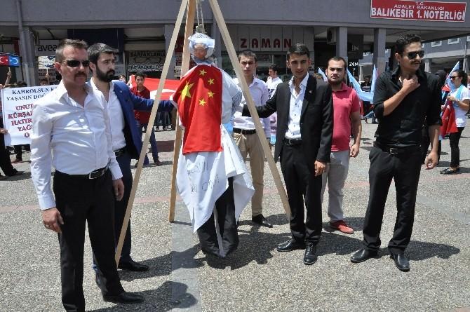 Balıkesir'de Çin Zulmü Protesto Edildi