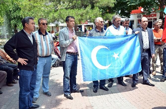 Eskişehir Kamu-sen'den Doğu Türkistan'a Destek
