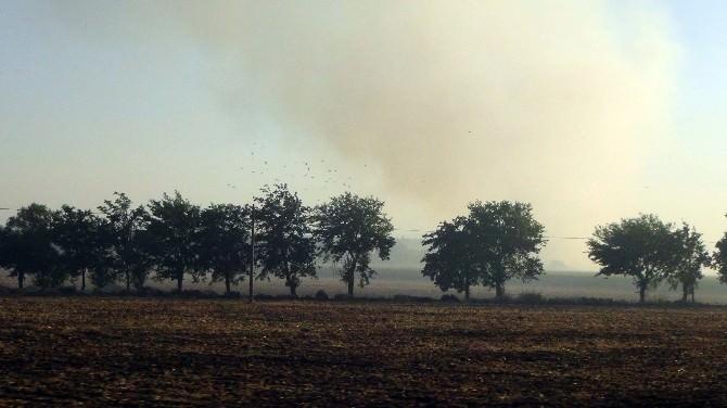 Suriye Sınırındaki Anız Yangınları Tehlike Saçıyor