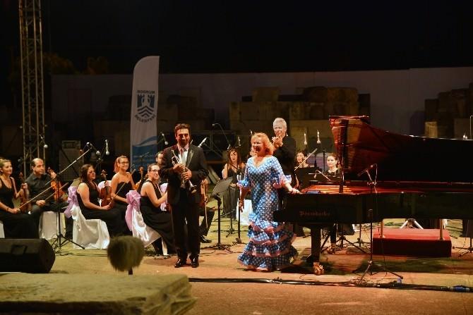 Gümüşlük Klasik Müzik Festivali Antik Tiyatro'da Başladı