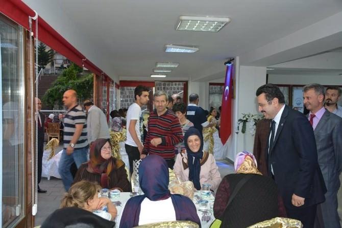 Ortahisar Belediyesi Başkanı Genç, Yetimler Ve Huzurevi Sakinleriyle İftarda Bir Araya Geldi