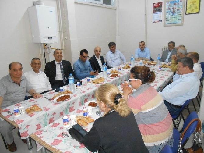 Türkav Eskişehir Şubesi Vakfı Üyeleri İftar Yemeğinde Buluştular