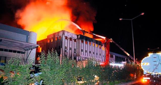 Fabrika yangınında dehşet dakikaları
