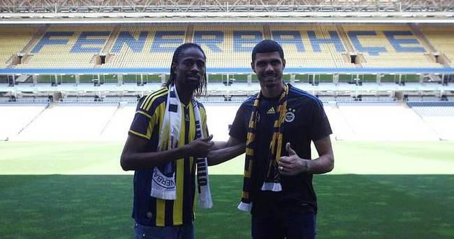 Fenerbahçe'de çifte imza