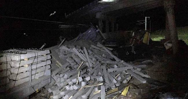 Sivas'ta 2 yük treni çarpıştı