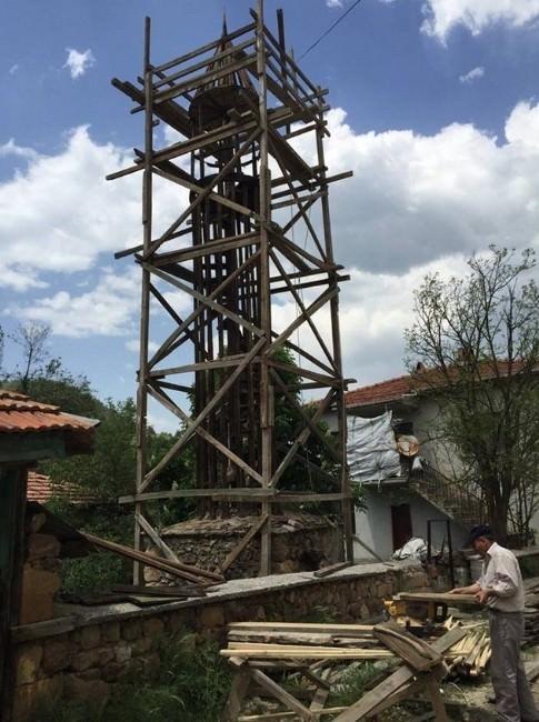 Tarihi Tahta Minare Yıkılmaktan Kurtuluyor