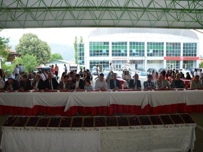 Uluborlu'da Kiraz Festivali Yapıldı