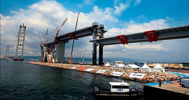 Mega projenin ağır parçası yerleştirildi