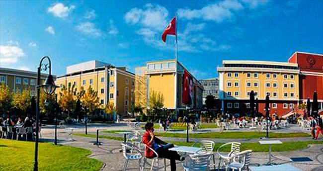 Istanbul Aydın Üniversitesi'nde sektörle içiçe eğitim