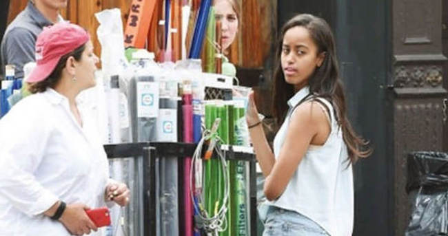 Malia Obama, Girls dizisinin setinde stajyer oldu