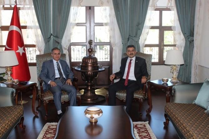 Milletvekili Reşit Polat'tan Vali Tapsız'a Ziyaret