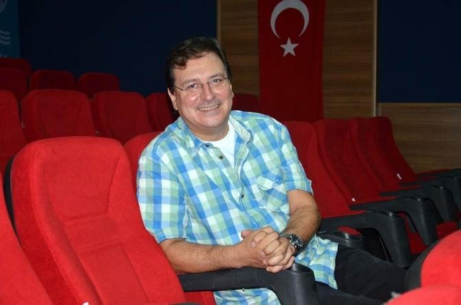 Aliağa'da Tiyatro Şöleni