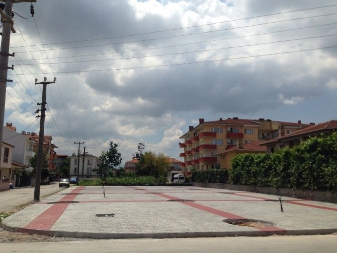 Arabacıalanı Mahalle Meydanı'ndaki Çalışmalar Devam Ediyor