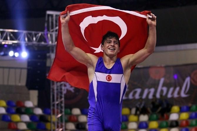 Aydınlı Güreşçi Cengiz Aslan, Avrupa Şampiyonu Oldu