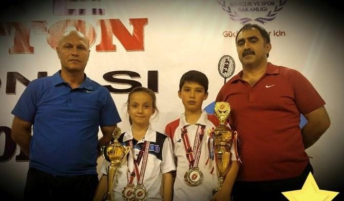Erzincanlı Küçük Milli Sporcular Romanya'dan Madalyalarla Döndüler