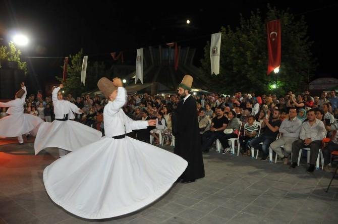 Çan'da Sema Gösterisi İzleyenleri Mest Etti