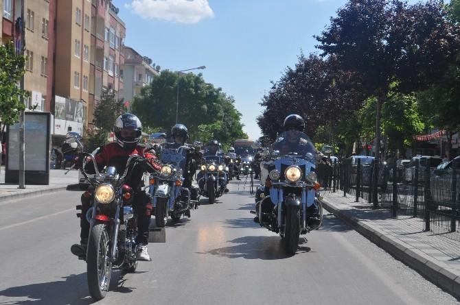 Chopper Motosiklet Kulübü Üyeleri Niğde'de Tur Attı