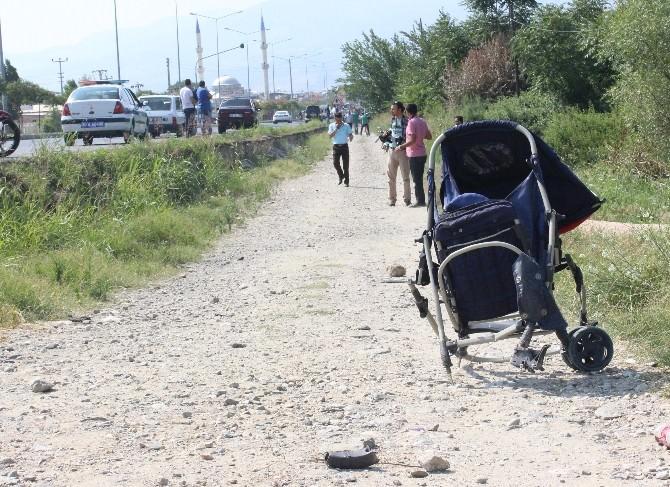 Otomobilin Çarptığı Anne Ve Bebeği Hayatını Kaybetti