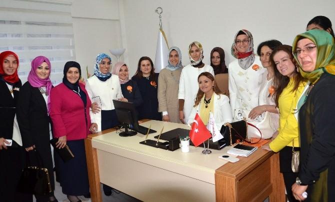 Cumhurbaşkanı Erdoğan'ın Kızı Sümeyye Erdoğan, Kadem Erzurum Temsilciliğinin Açılışını Yaptı