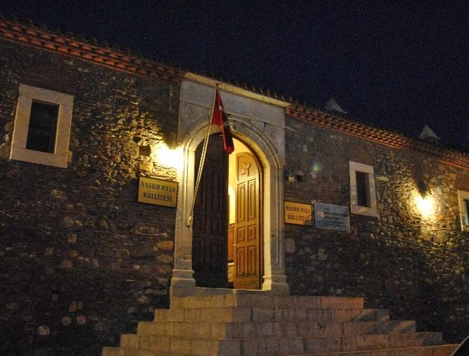 Tarihi Nasuh Paşa Külliyesi'nde İftar Yemeği Verildi