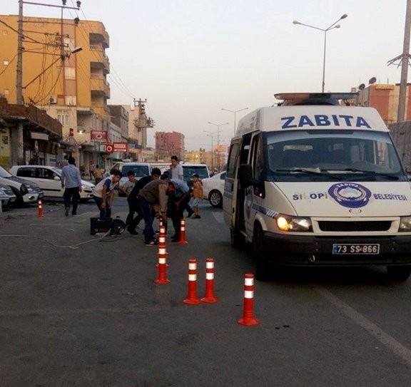Silopi'de Duraklara Trafik Konileri Yerleştirildi