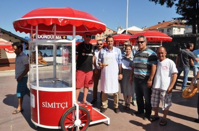 Ayvalık Belediyesi Simit Arabalarına Standart Getirdi