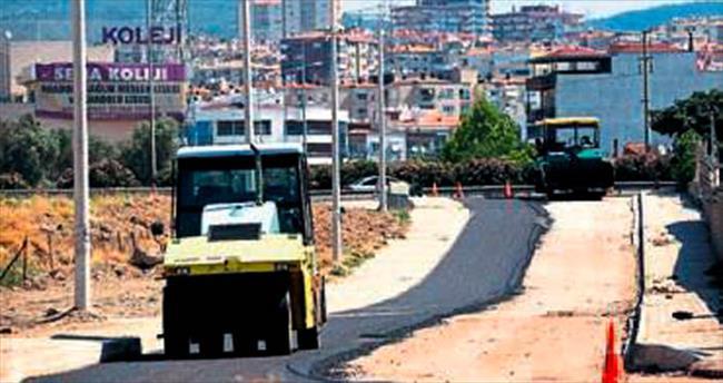 Bornova'da yollar asfaltla kaplanıyor