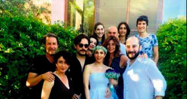 Sertab'dan sürpriz evlilik