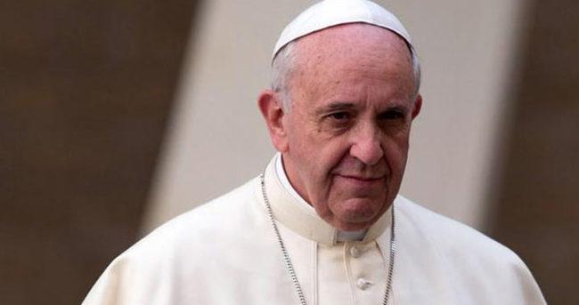 Papa Francisco 800 bin kişilik ayın yönetti
