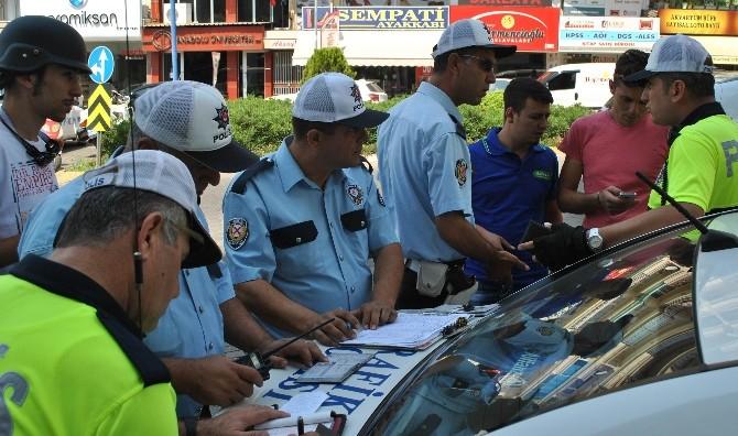 Aydın Trafik Polisleri Kurallara Uymayan Gençleri Affetmedi