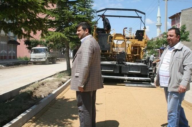 Bolvadin'de Yol Yapım Çalışmaları Devam Ediyor
