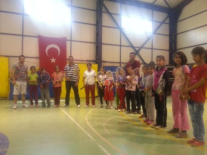 Çukurca'daki Basketbol Ve Tenis Kurslarına Büyük İlgi