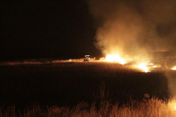 Diyarbakır'da Anız Yangını Adeta Cehennemi Yaşattı