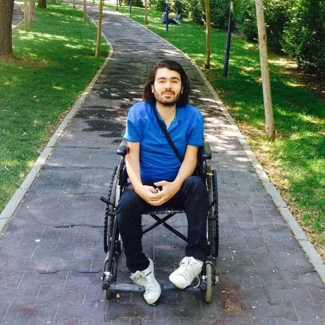 Hayatındaki Tüm Zorluklara Göğüs Geren Erhan Karaman İkinci Şiir Kitabını Yazdı