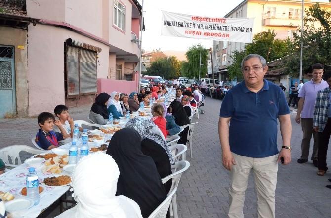 Malatya'da 15 Bin Kişilik Dev Sokak İftarı